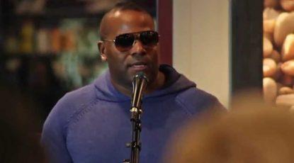 Shyan Selah performing at Starbucks in Lakewood, WA